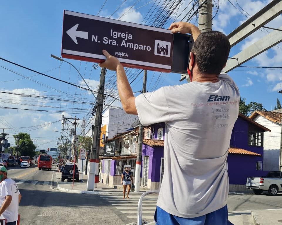 Placa sinalização Maricá