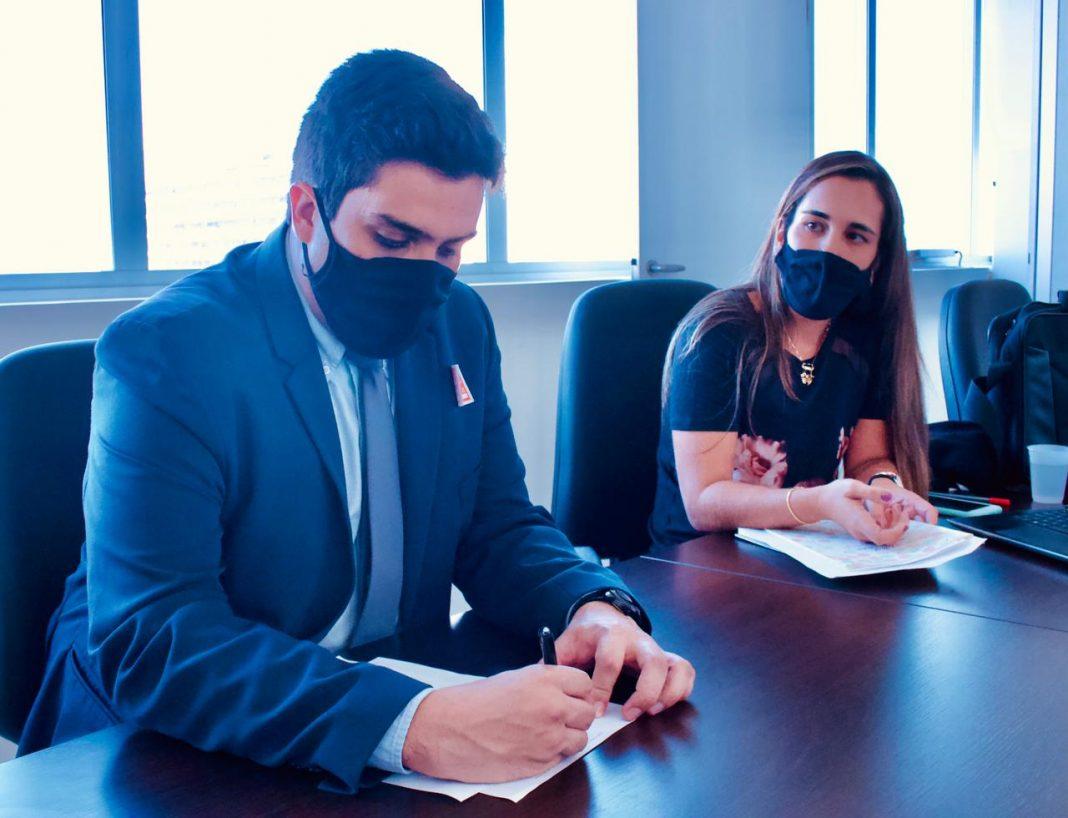 Assinatura pacto trabalho escravo