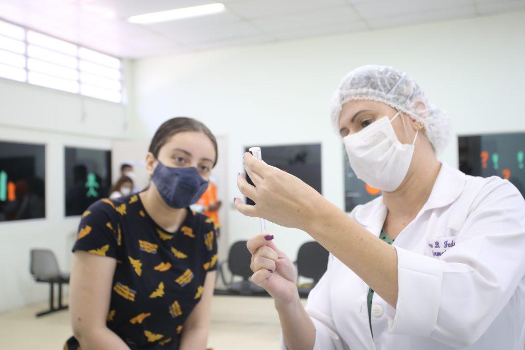 Vacinação adolescentes Niterói